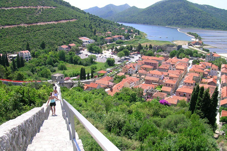 Ston Walls Hiking Croatia